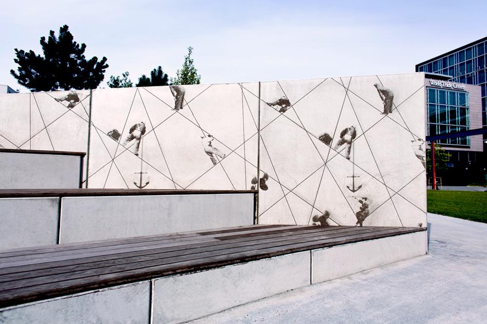 Stödmurar med grafisk betong i Kockumsparken i Västra Hamnen. S:T Eriks
